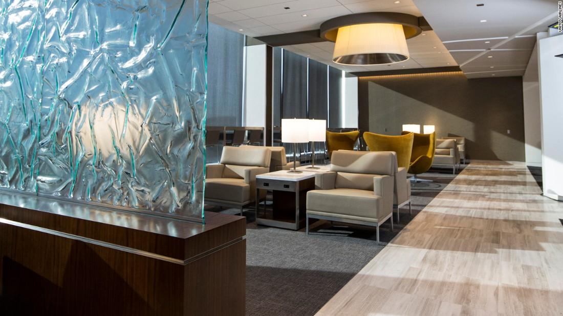 united-chi-lounge